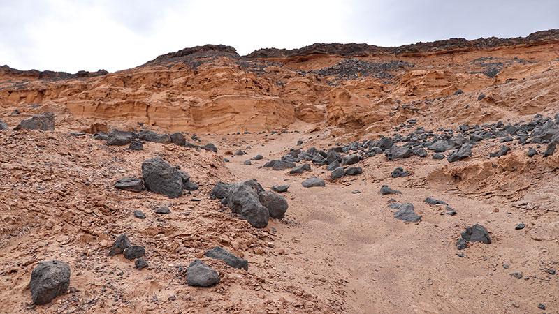 Lut Desert Tour, Under the Spell of the Bare Desert