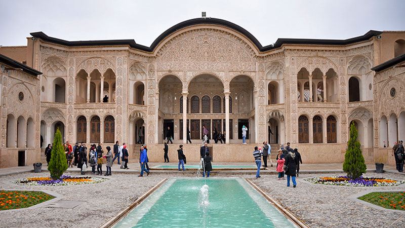 Iranian architecture, garden and pool