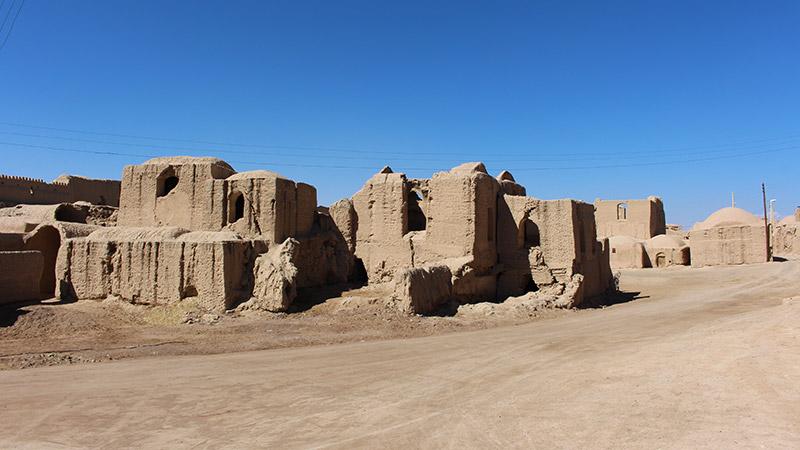 ghourtan castle varzaneh