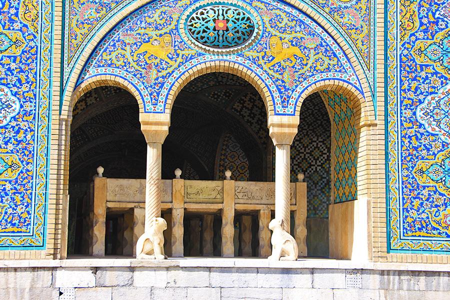 Khalvat- e Karim Khani and the stone tomb of Nasser- Al Din Shah