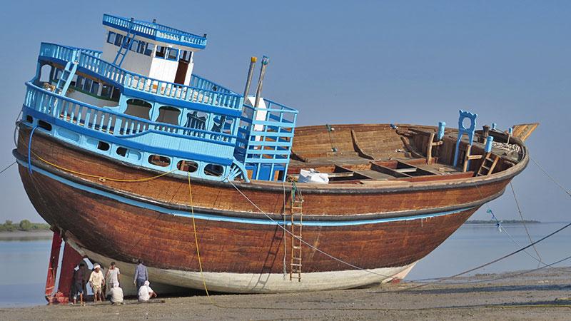 lenj and fisher boat in qeshm