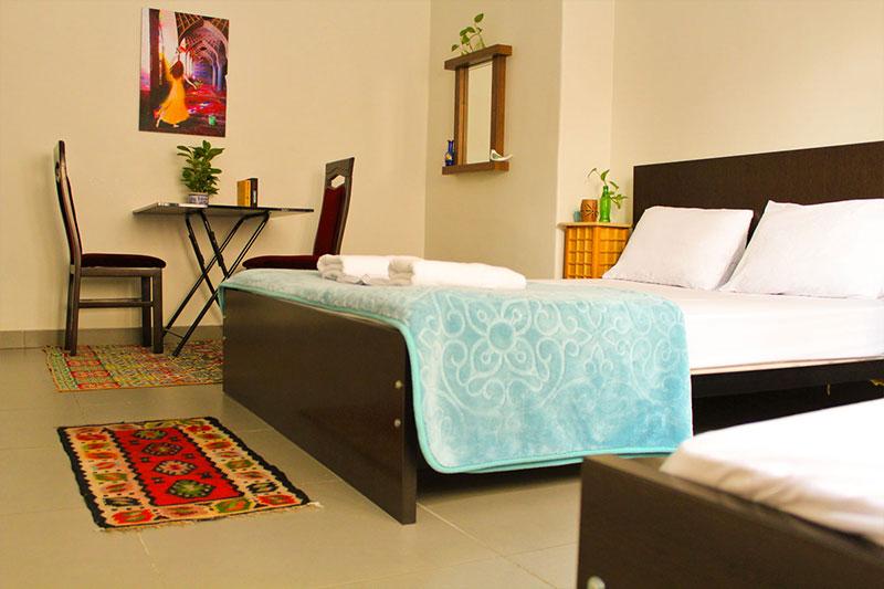 Hi Tehran hostel private room