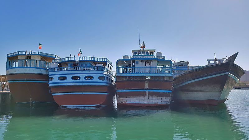 Hormuz port and beautiful ship boats