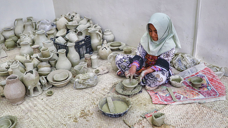 Kalpuregan pottery village in Iran