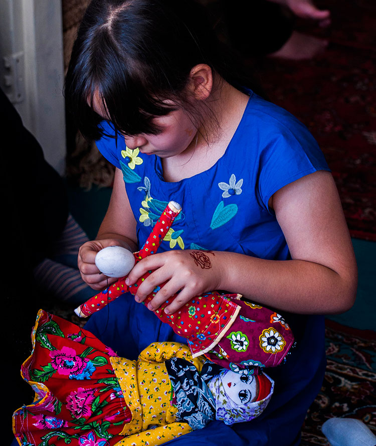 Alolak local dolls creating