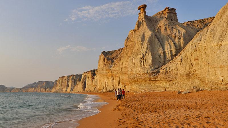 hormuzgan beach