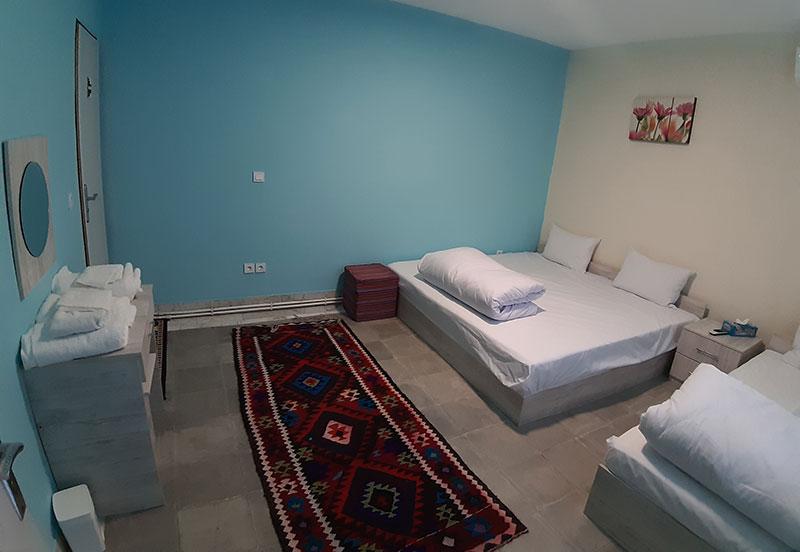oak hostel, kermanshah, iran