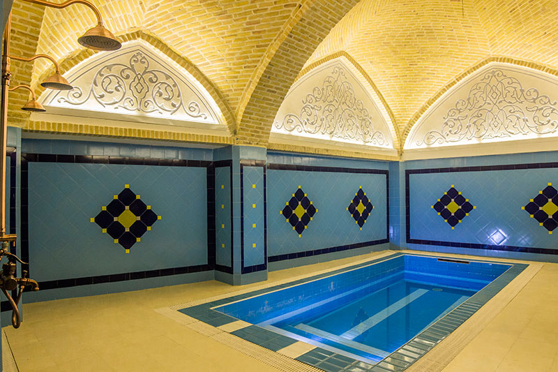 Hot pool or Jacuzzi in persian hammam