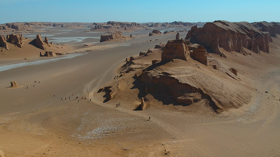 Yardangs of Lut desert reach 300 meters