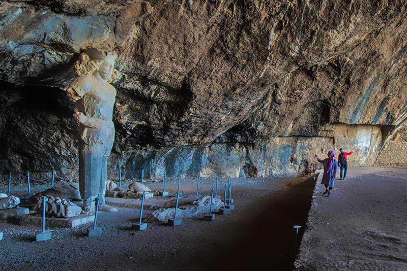 Shapur status at Shapur cave