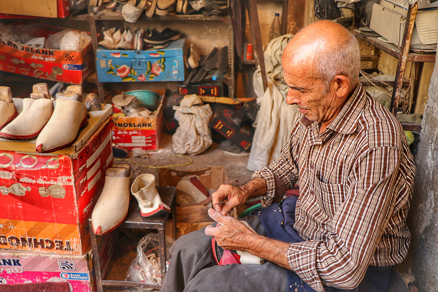 Malki douzi, the knowledge of making shoes in Shiraz