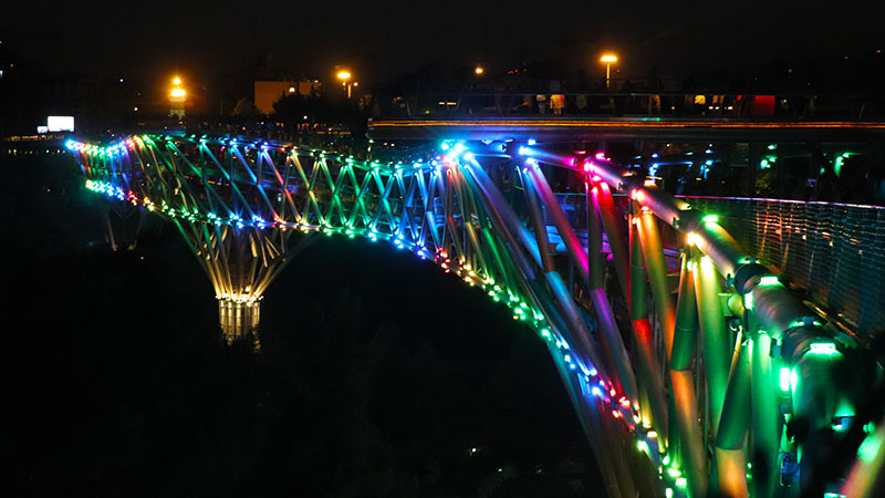 light play on tabiat bridge
