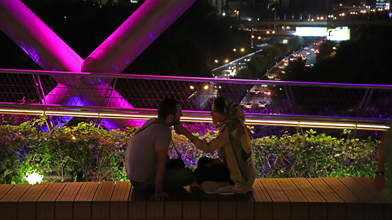 love on the tabiat bridge