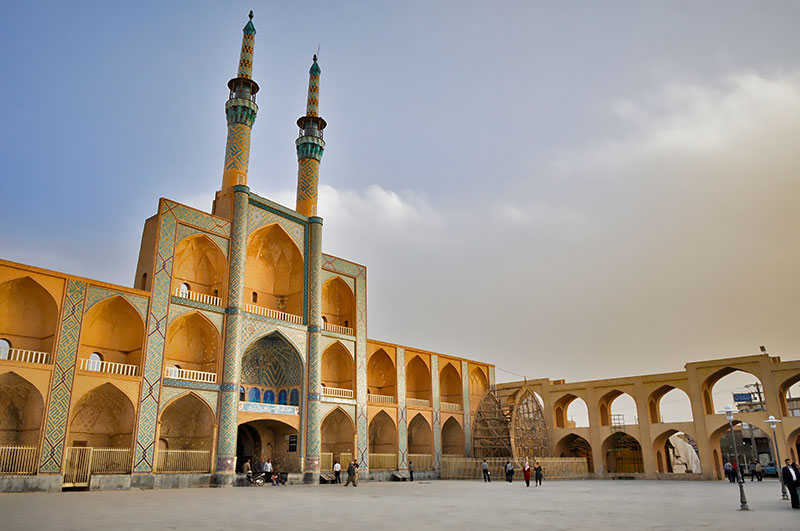 Amirchakhmaq complex and square in Yazd